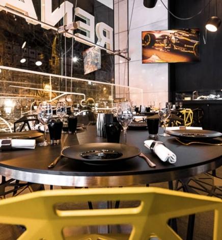 Carré Renault Sport : Rencontre entre la F1 et la gastronomie